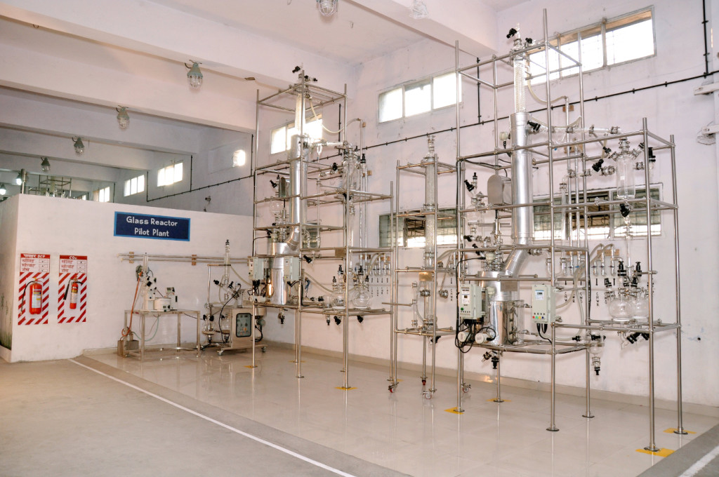 CRAMS / Pilot Plant: Glass Reactors Kilo Lab